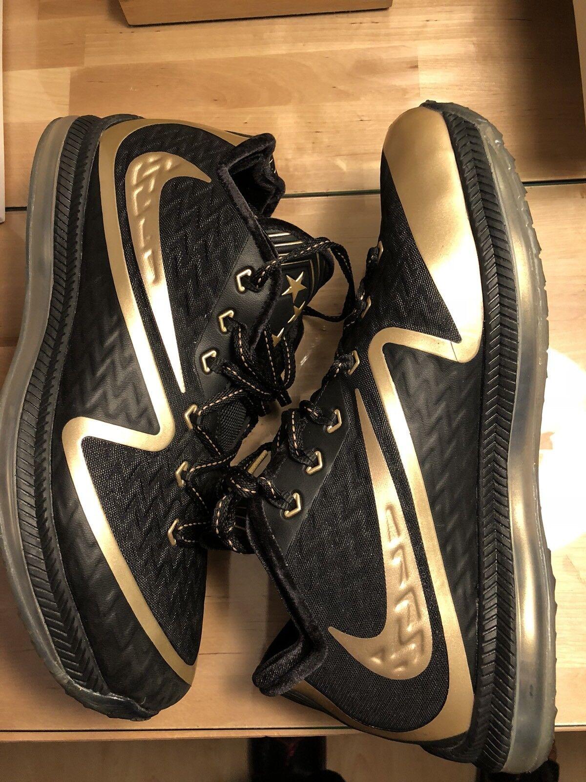 Nike Field General 2 US 10. Rare New 749310-108
