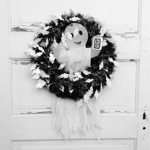 AG Designs Halloween Wreath Black /& White Tinsel w//Glow in the Dark Ghost