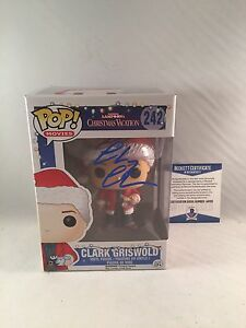 CHEVY-CHASE-SIGNED-CLARK-GRISWOLD-CHRISTMAS-VACATION-FUNKO-POP-BAS-BECKETT-2