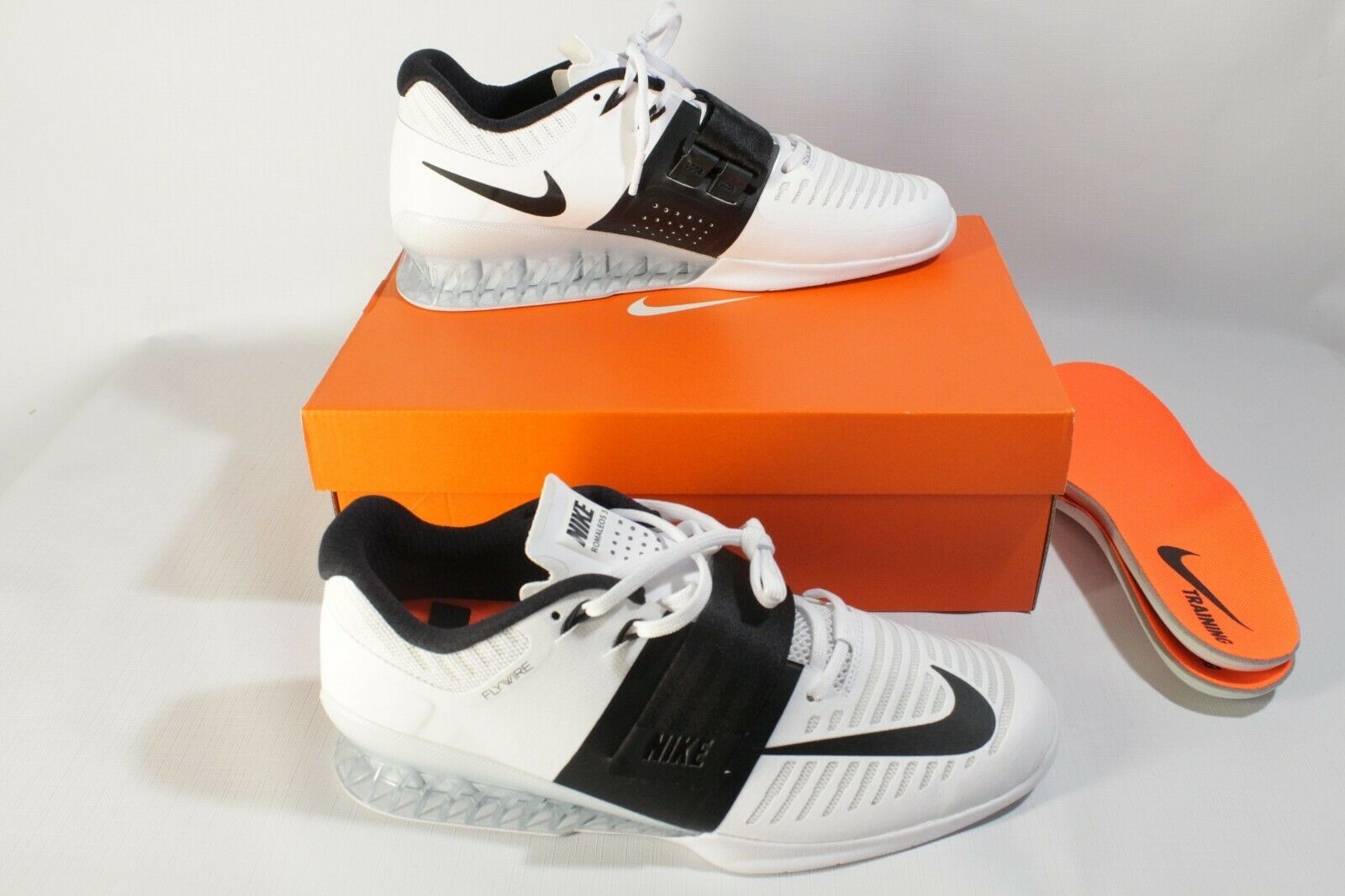 50782dd792d8 Nike Romaleos 3 Weightlifting cross fit Training Training Training shoes  white black 852933-101 901a33