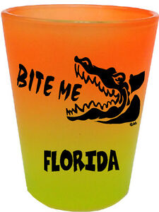 FLORIDA-SOUVENIRS-SHOT-GLASS-BITE-ME-GATOR-ALLIGATOR-COLLECTABLE-NOVELTY-1415OG