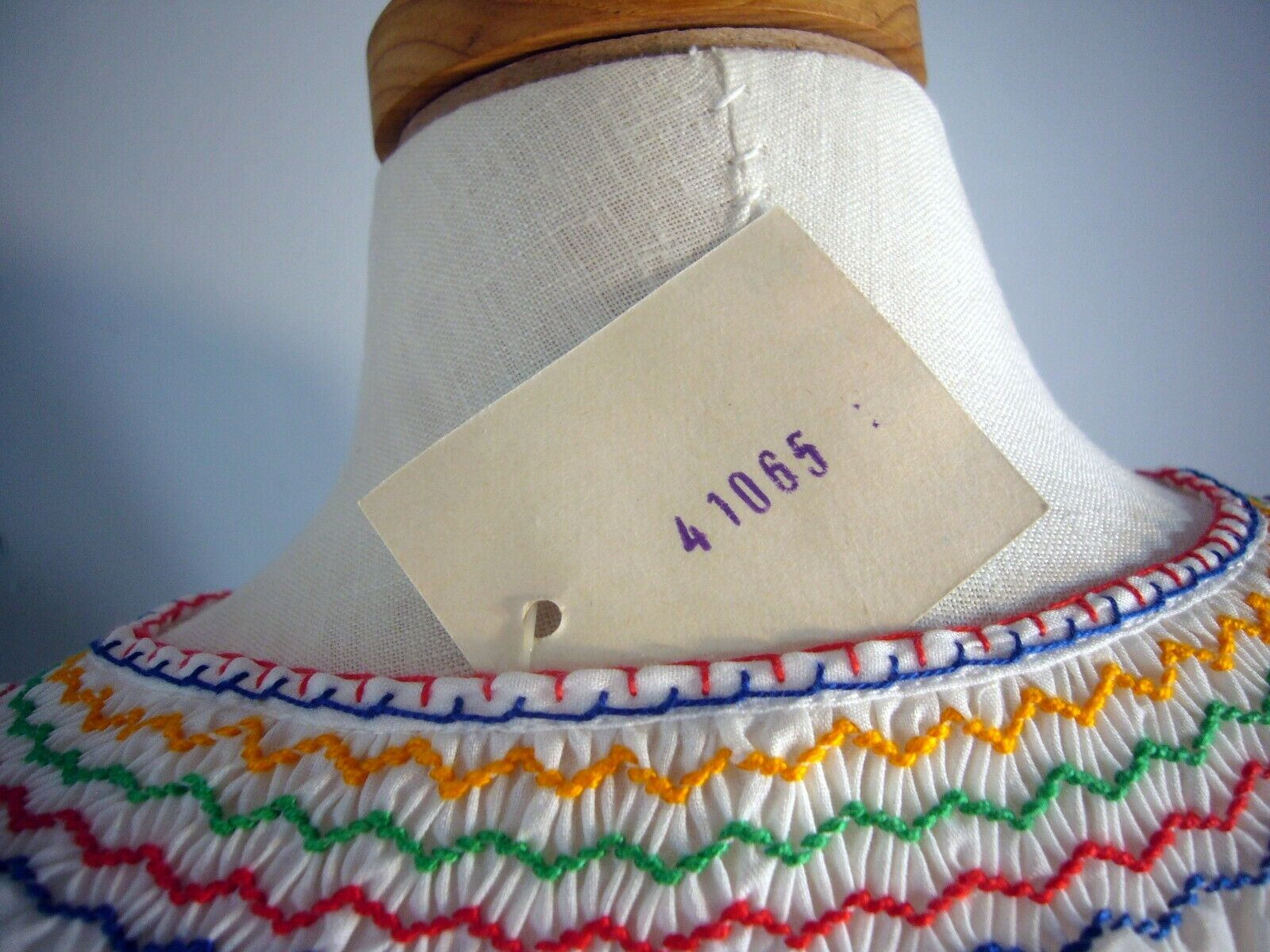 NOS 1950-70s Hand Embroidered Hungarian Gauze She… - image 5
