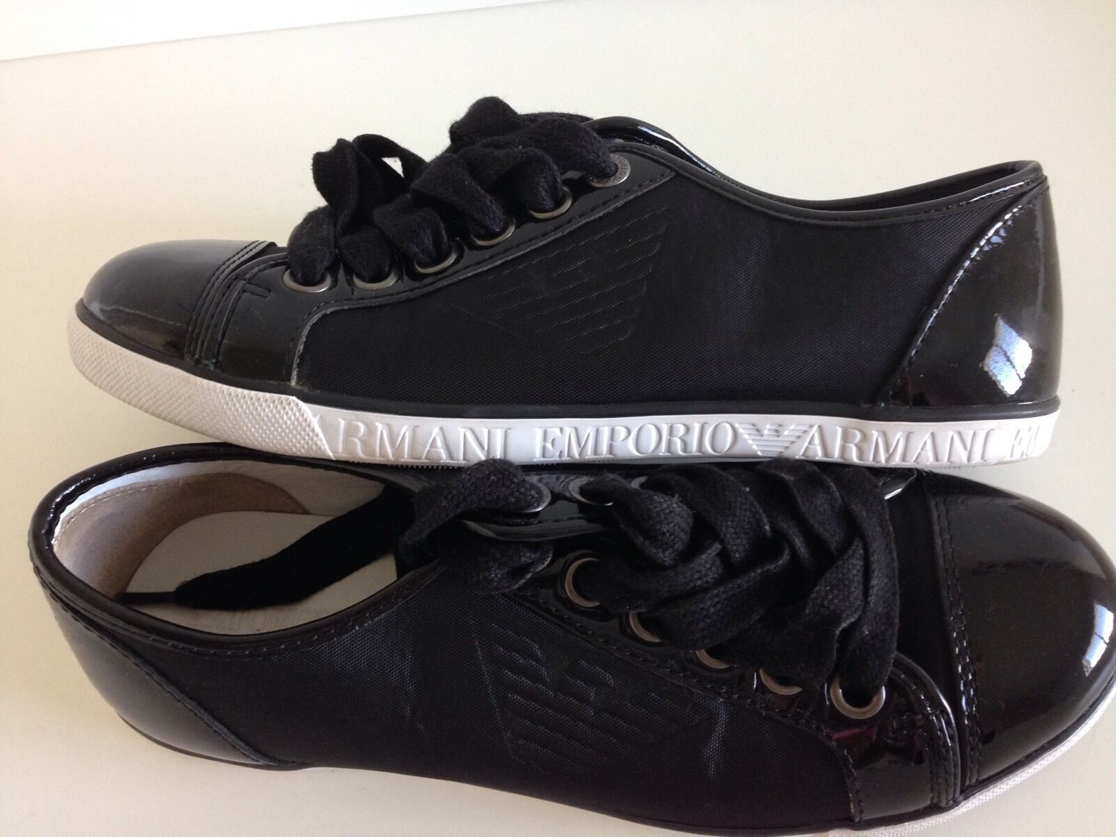 Man/Woman Emporio Armani Authentic Black Casual Sneakers Elegant shape Bright colors Complete specifications