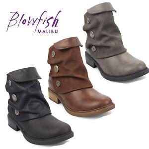 brand new eefd0 ff4c8 Dettagli su Blowfish Malibu Donna Vynn Stivali Caviglia Dettaglio Bottone  Zip Scarpe Moda