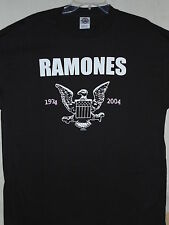 NEW - RAMONES BAND / CONCERT / MUSIC T-SHIRT LARGE