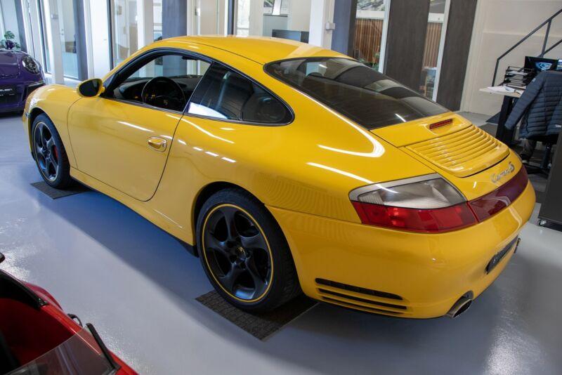 Porsche 911 Carrera 4S Coupé Tiptr. - 3