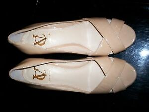 NEW! 9M Platform Wedge High Heels Vero Cuoio Shoes Signature TAN Patent Leather