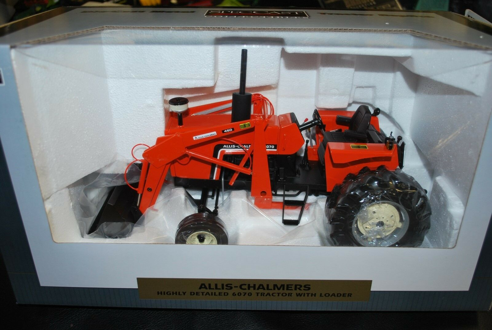 NEW 1 16 Allis Chalmers 6070 tractor w    loader by Spec Cast, great detail in box 12a5cd