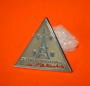 Pin-039-s-Lapel-pin-039-s-pin-CENTRE-INTERNATIONNAL-DE-L-039-AUTOMOBILE-TOUR-EIFFEL-Zamac