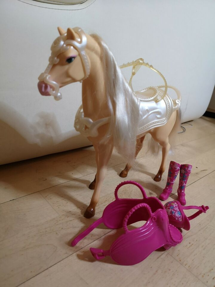Barbie, Hest