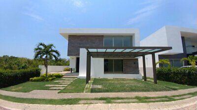 Residencia en Venta en el Campo de Golf en Altozano Villahermosa Tabasco