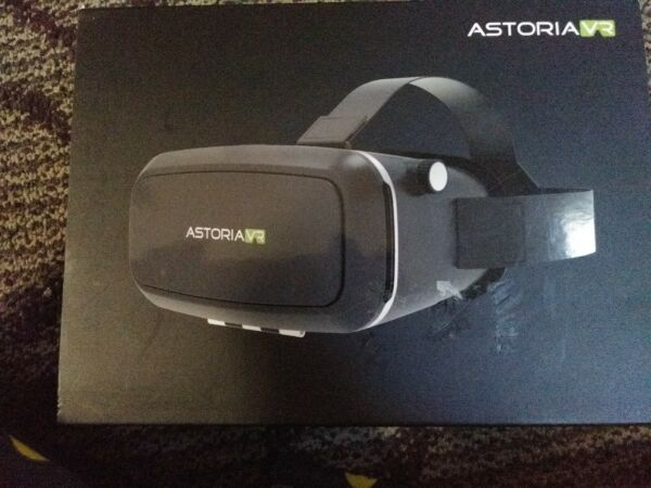 Astoria Vr (virtual Reality) Headset For Smartphones - Never Used! New! Lange Levensduur