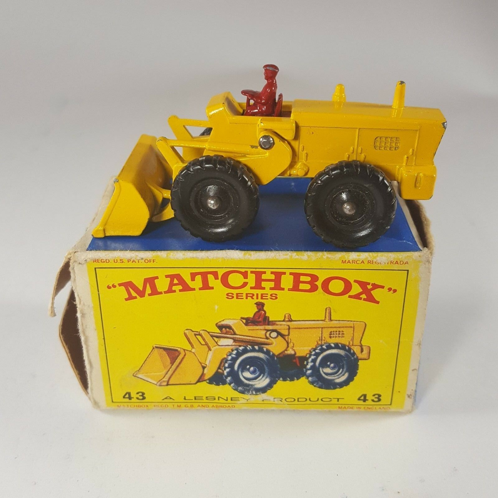 Vintage Matchbox Lesney  43 Aveling Barford Tractor Shovel MINT in BOX