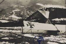 altes Foto AK deutscher Flieger Flugzeug Doppeldecker  abgestürzt 1.WK