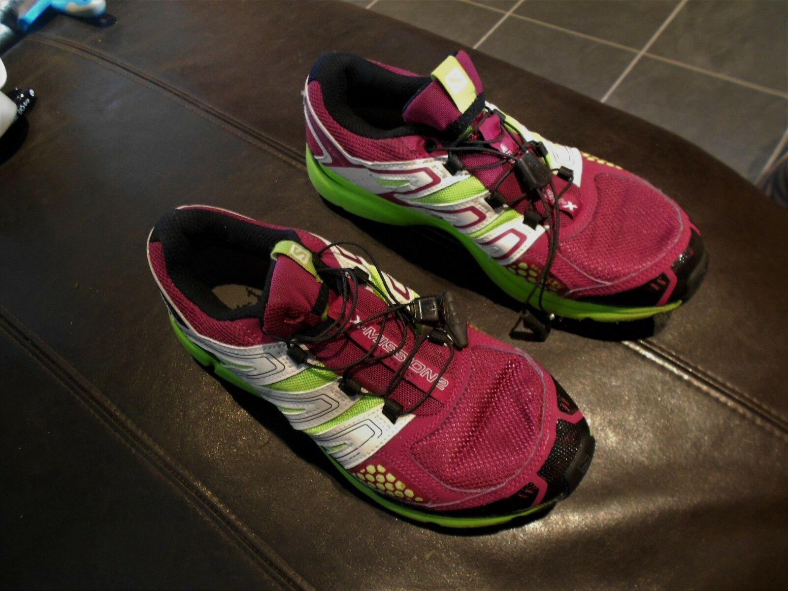 WOMENS  SALOMON X MISSION 2 RUNNING TRAINERS -UK SIZE 7 - IN AN OK CONDITION