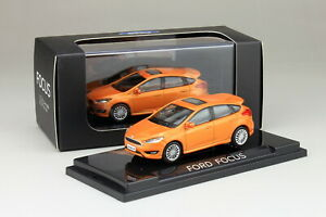 1-64-Scale-Ford-Focus-2012-Orange-Diecast-Car-model-Collection-Toy