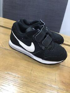 infant size 9 black trainers