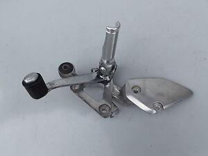 Yamaha-Fazer-FZS-600-RJ02-Fussrastenanlage-vorne-rechts-Fussraste-Fahrer