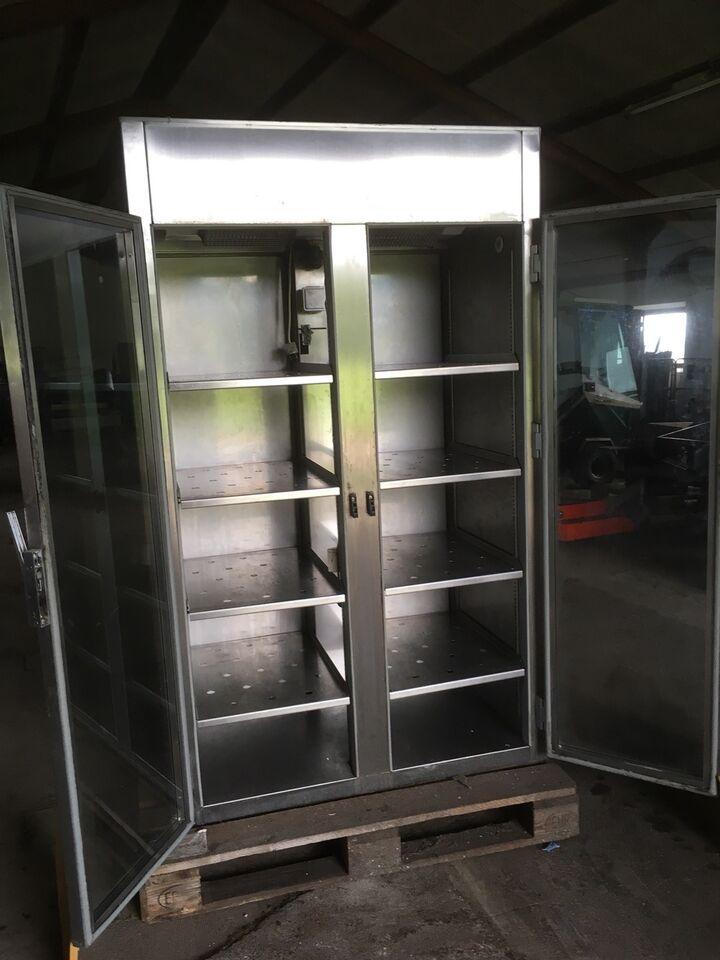Andet køleskab, b: 106 d: 69 h: 178