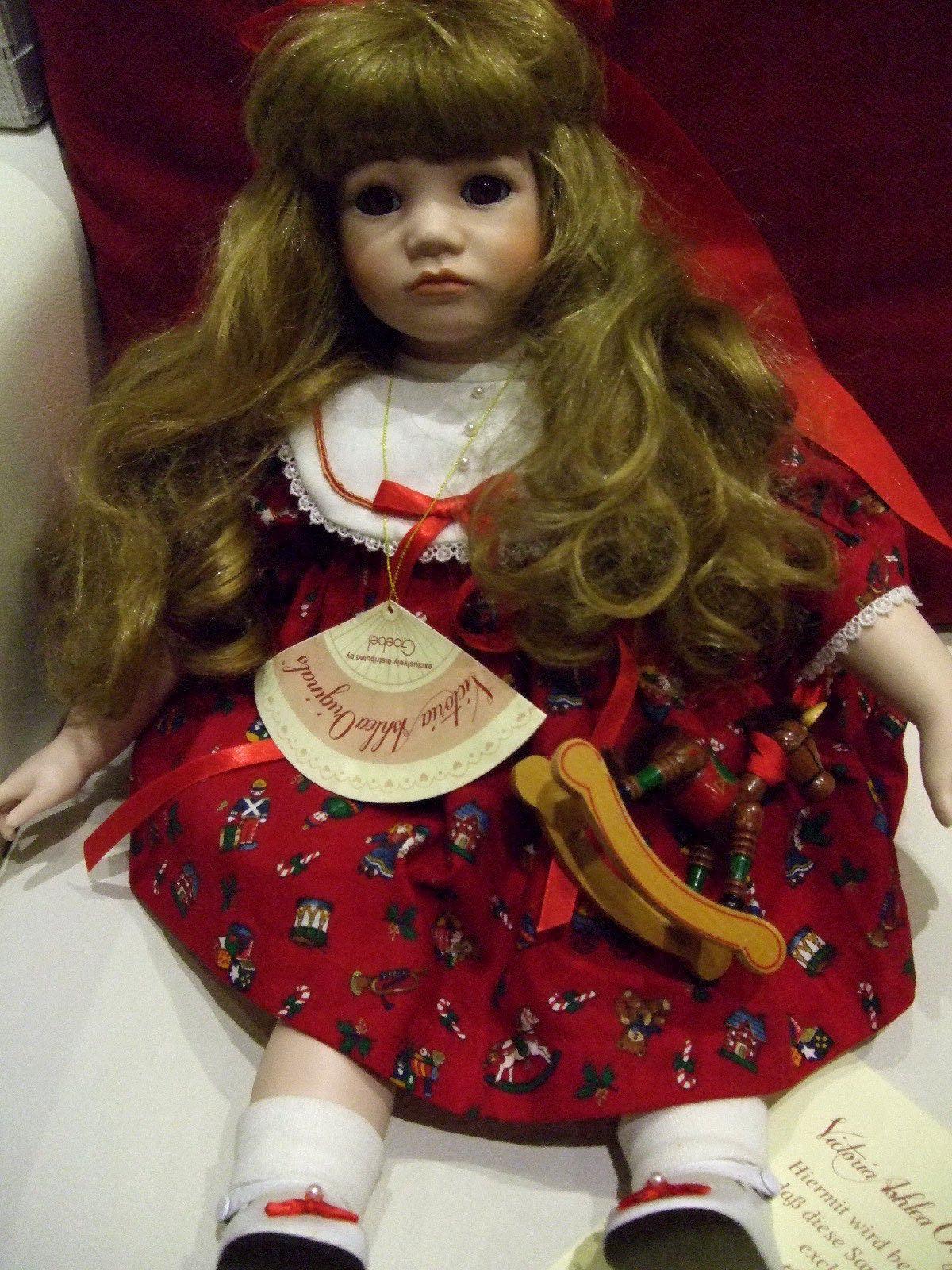 Künstlerpuppe Goebel Puppe mit integr Spieluhr Original Karen Kennedy Zertifikat