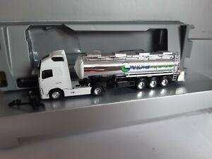 Volvo-FH-violaliquids-GmbH-food-Tank-logistica-d-77855-Achern-cromo-Tank