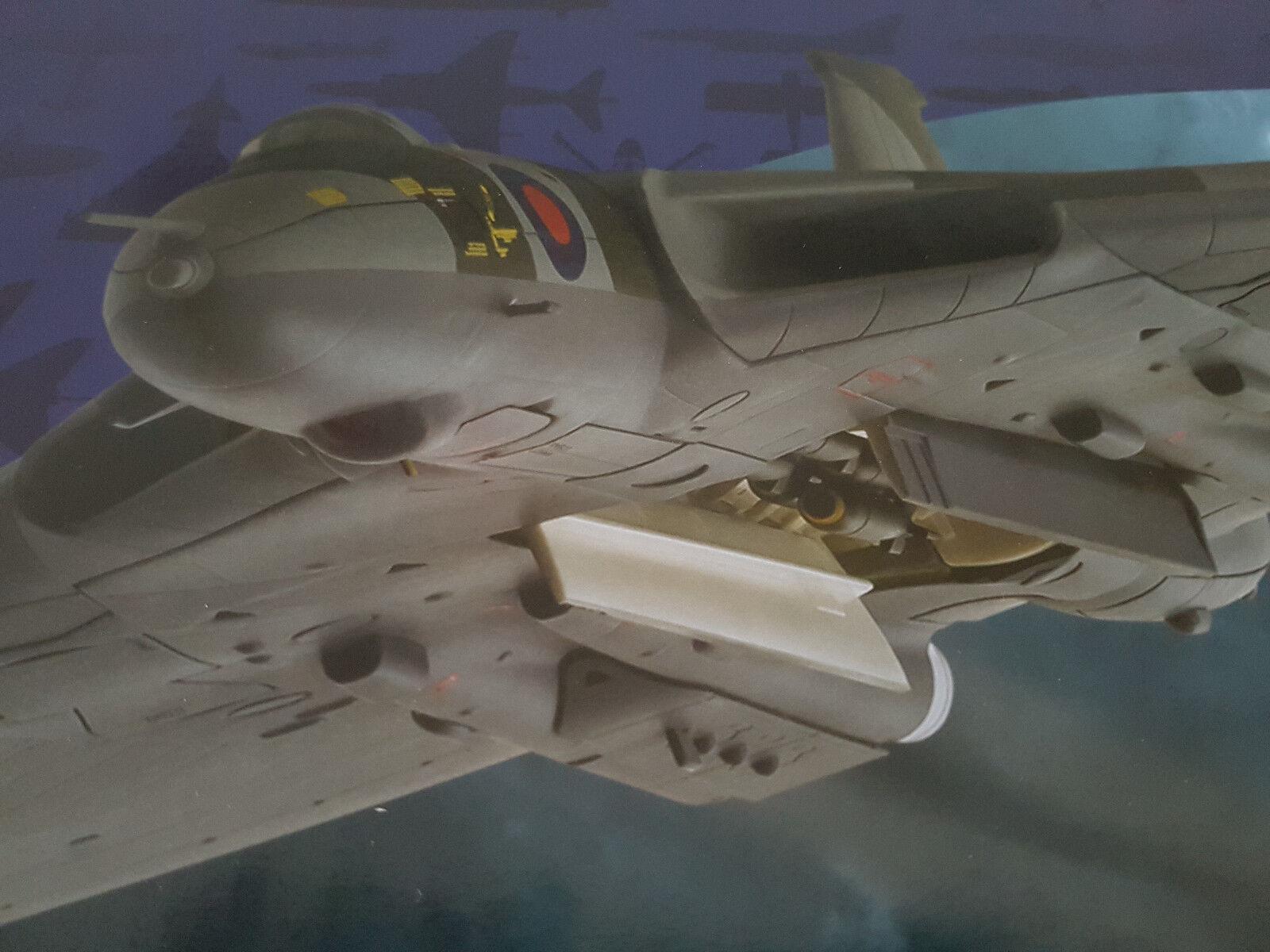 Ltd. New  Corgi Avro Vulcan b2 RAF 44th Sqn  Operación nero Buck  aa27203 1 72