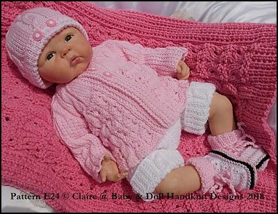 "BABYDOLL HANDKNIT DESIGNS KNITTING PATTERN F28 ONSIE SET 17-24/"" DOLL//0-3M"