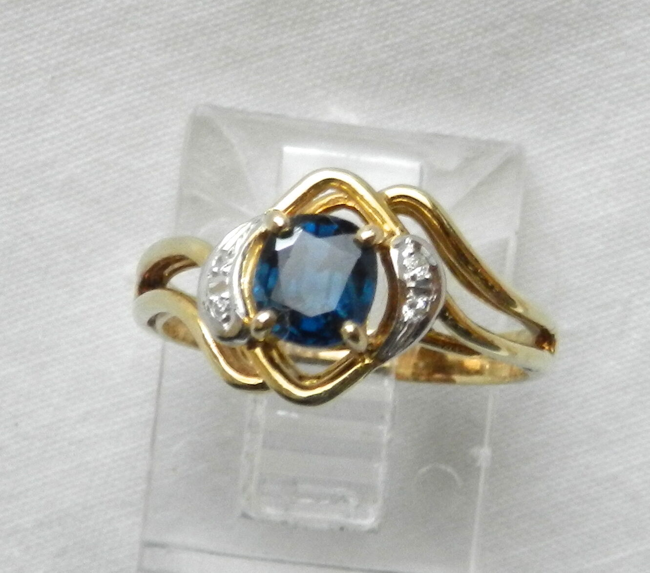 .65CT 14K gold Earth Mined Oval SAPPHIRE and DIAMOND Estate  RING