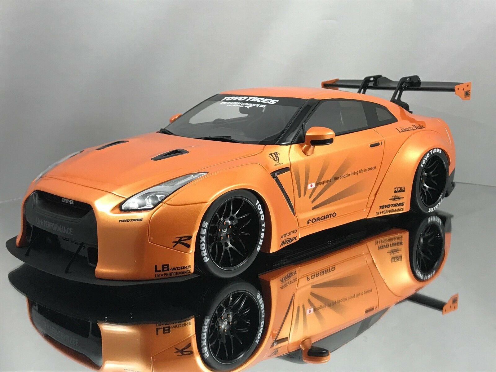GT Spirit Nissan GT-R (R35) lb rendimiento funciona Liberty Walk Naranja