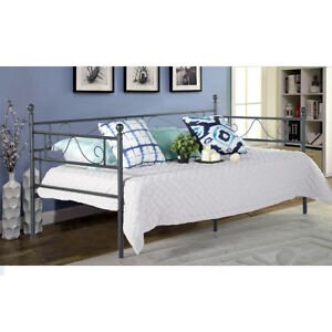 3FT Single Metal Day Bed Scrub Guest Bed Frame Sofa Bed Without Trundle Frame