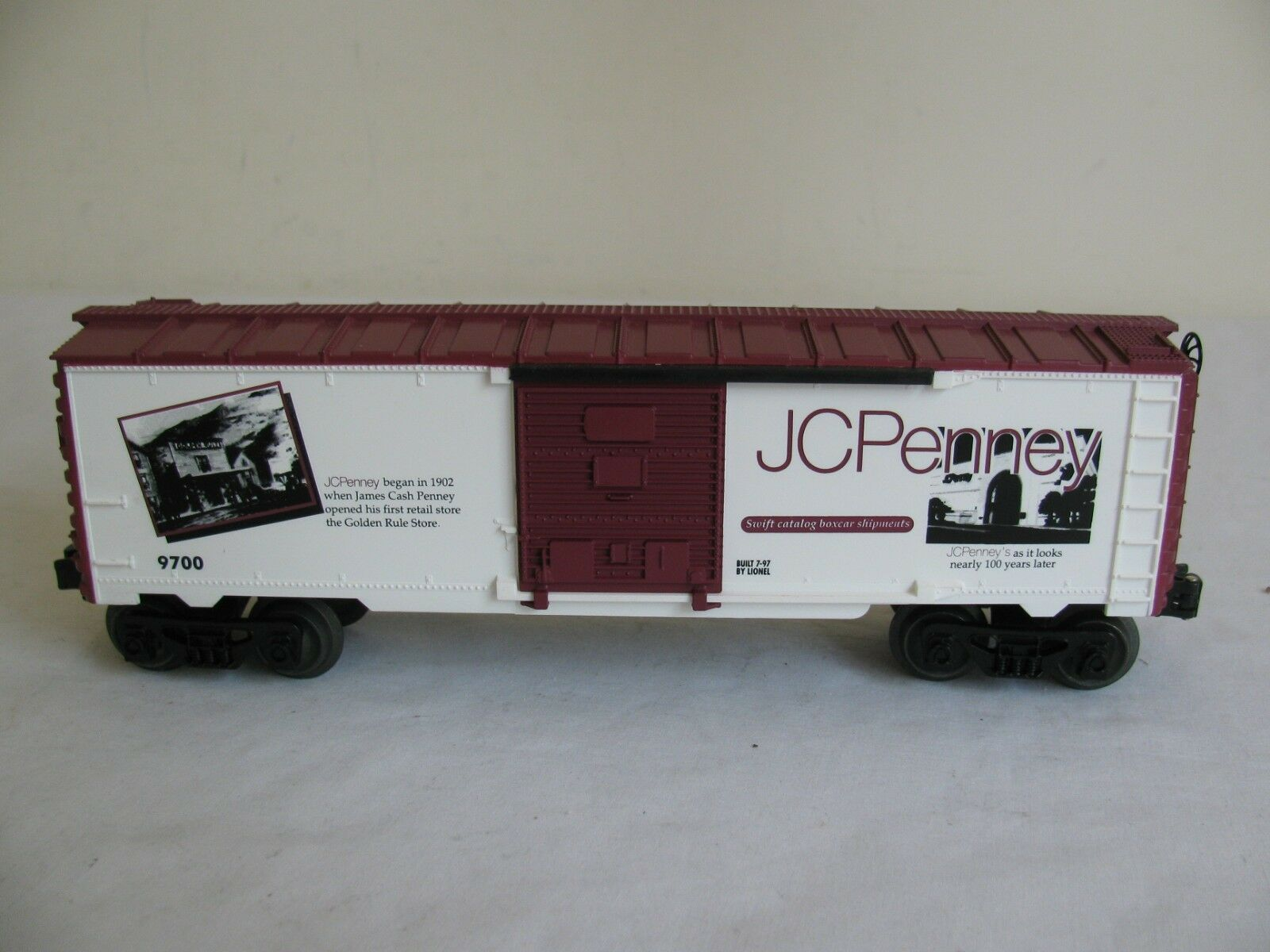 Vintage Lionel Trains O/O-27 Scale JCPenney Special Box Car  6-11832 EX