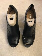 NEW Women's Clarks Black Leather Ankle Boot Size 8M