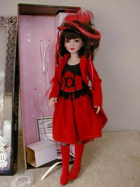 Ashton Drake Delilah schwarz  rot Velvet  Dressed Doll - rotUCED