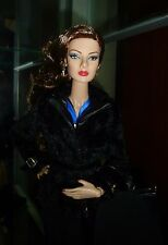"""**SALE** FASHION ROYALTY """"ENERGETIC PRESENCE GISELLE"""" DOLL DRESSED W/STAND"""