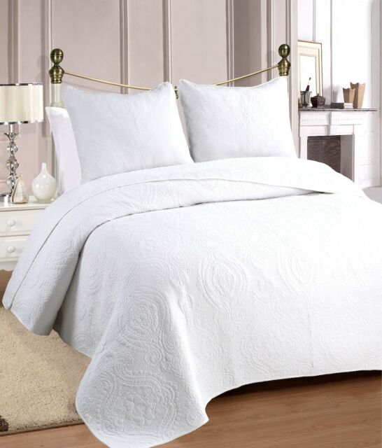 Fashionable Solid Bedspread