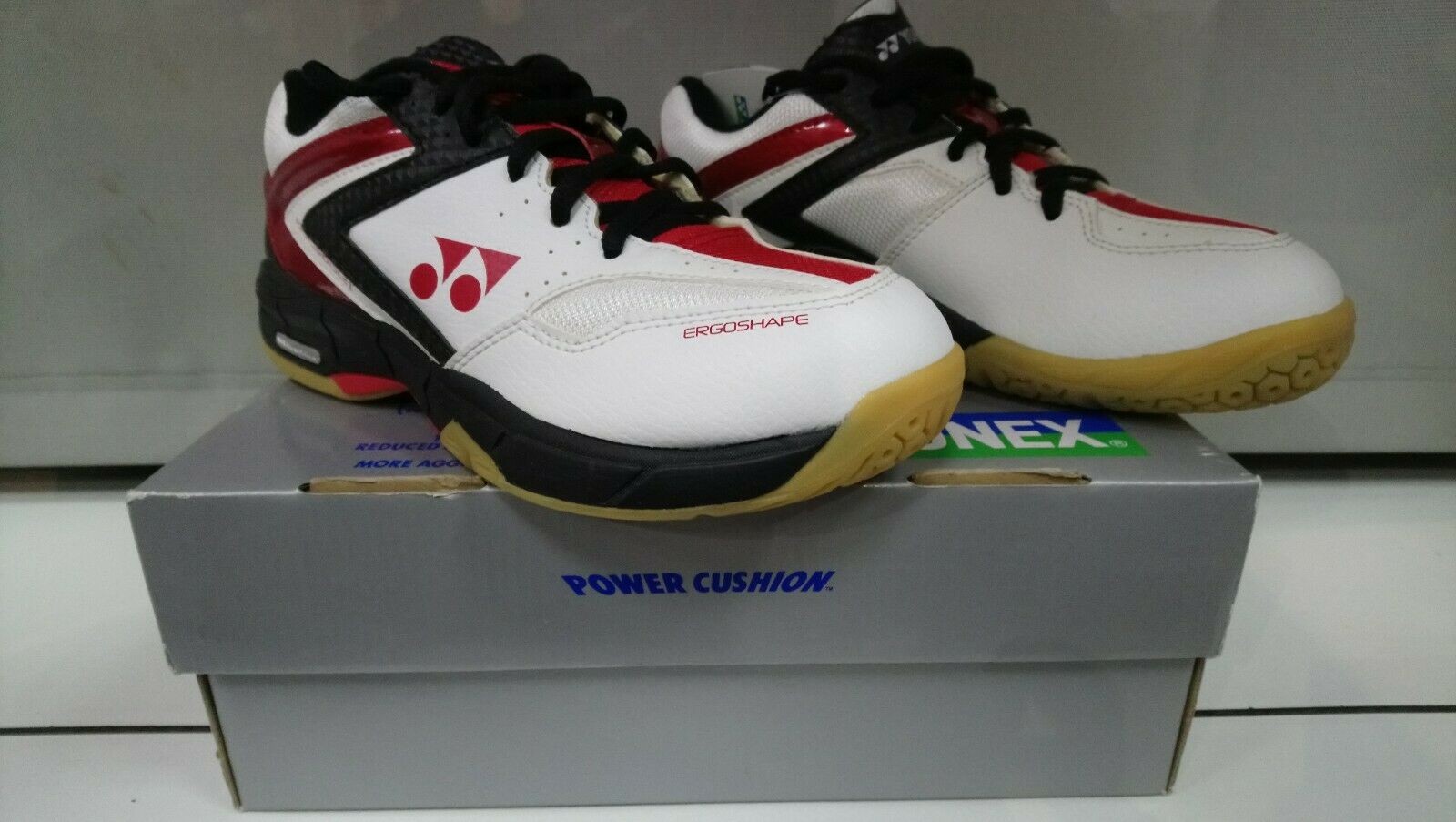 Brand New In box Mens Boys Yonex PC Court