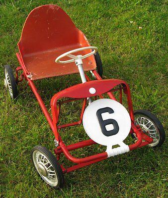 jouet ancien, voiture à pédale d'enfant         l