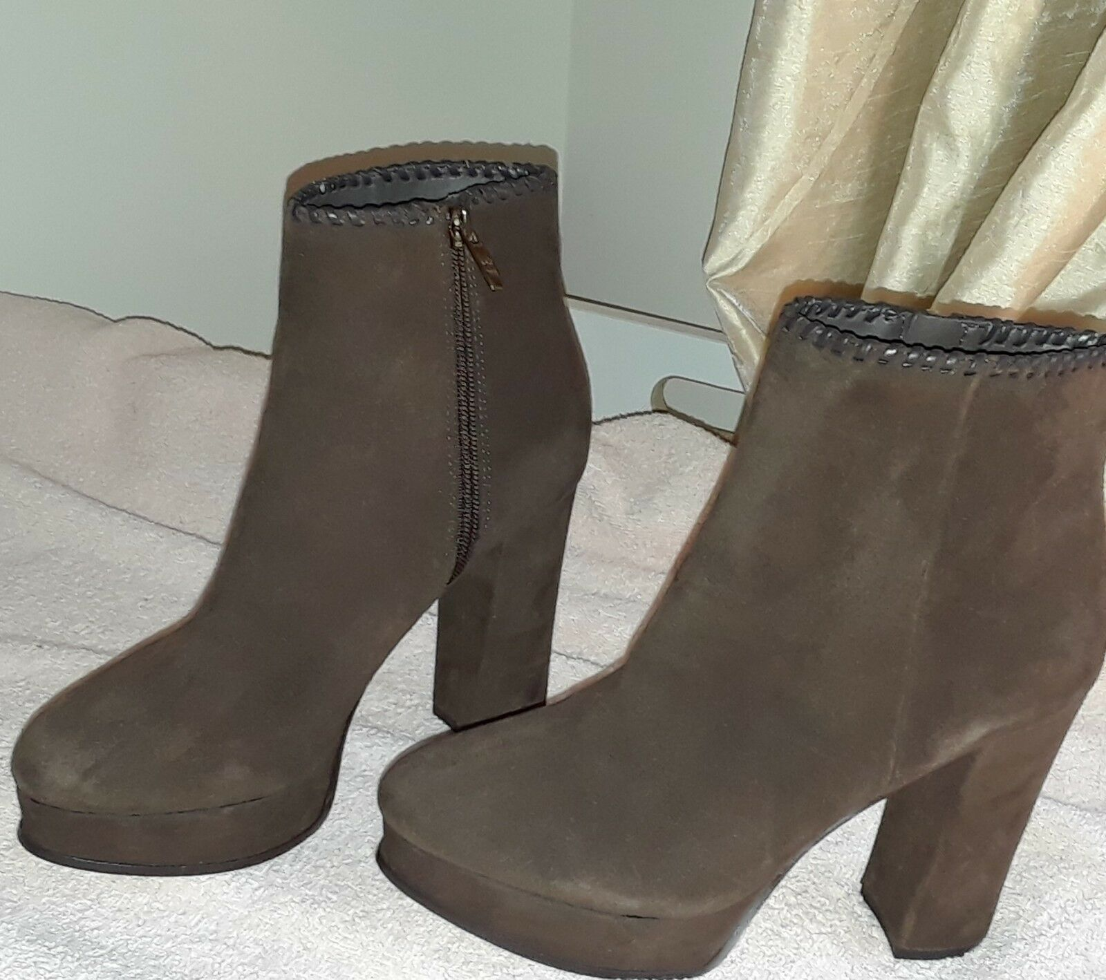 New Marc Fisher Womens Natasia Suede Closed Toe Ankle Fashion Boots 7 M