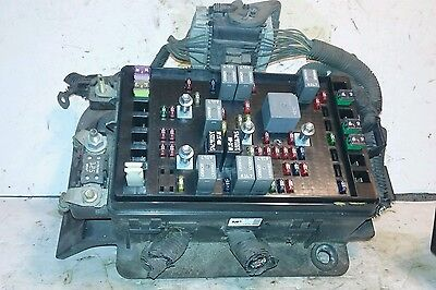02-05 Oldsmobile Bravada 4.2L MPI Under hood Relay Fuse Box Block | eBayeBay