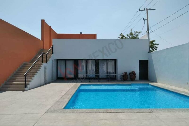 Casa en Renta en exclusiva cerrada Olivias. Residencial Santa Bárbara. Torreón Coahuila