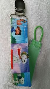 Baby Soother/Pacifier Holder w/Metal Clip/Snoopy & Friends/Brand New