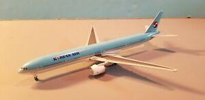 GEMINI-JETS-KOREAN-AIRLINES-777-300-1-400-SCALE-DIECAST-METAL-MODEL