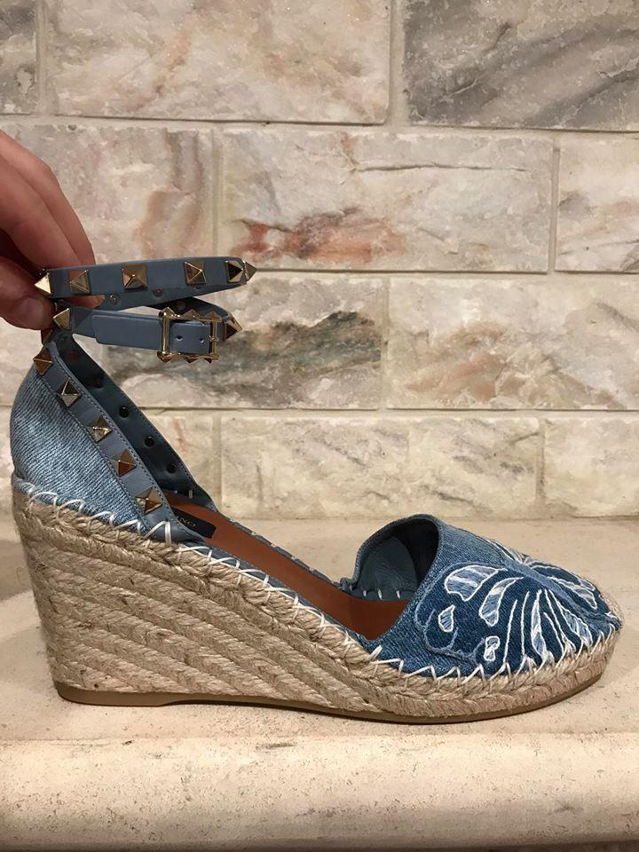 NIB Valentino Rockstud Blau Denim Butterfly Ankle Strap Wrap Wedge Heel 41  945