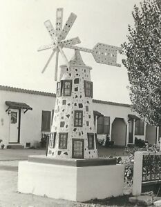 CD-030-CA-Santa-Rosa-Blue-Bonnet-Auto-Court-Real-Photo-Postcard-RPPC-Windmill