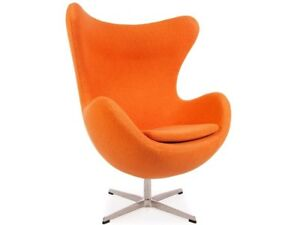 Fauteuil-type-EGG-Arne-Jacobsen-design-orange-neuf-swan-ball