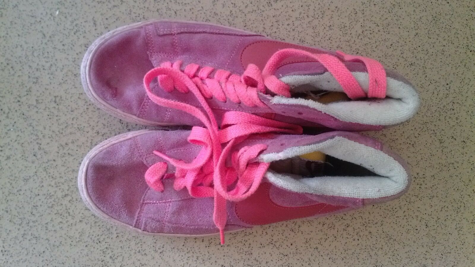 Ladies Pink Nike  Trainers Comfortable Comfortable and good-looking