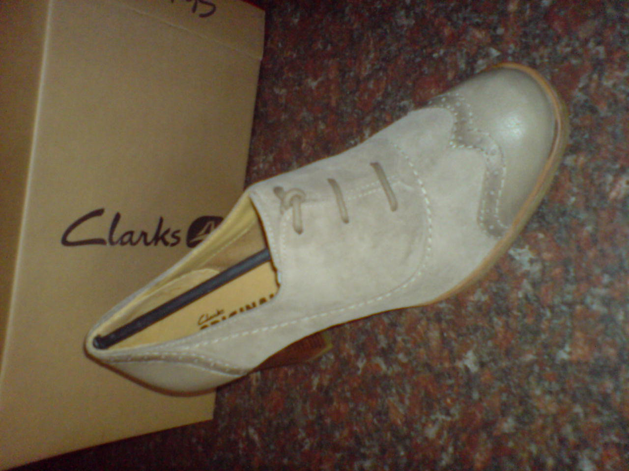 Clarks Original Damen Kitzi Spaß sand kombi Veloursleder UK 8/7.5