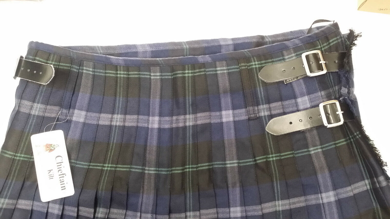 Chieftain Passion Of Scotland PLATINUM 8 Yard Full Kilt - clear out at
