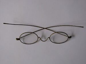 Antique-Wire-Eye-Glasses-Brass-Frame-Original-Flat-Oval-Lenses-EX-Condition