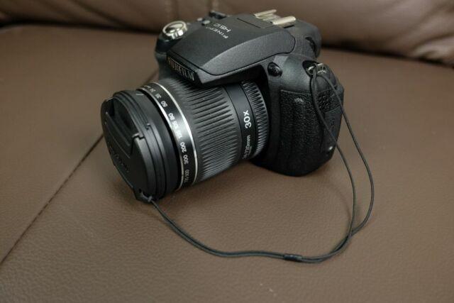 Fujifilm FinePix HS Series HS10 10.3MP Digitalkamera - Schwarz